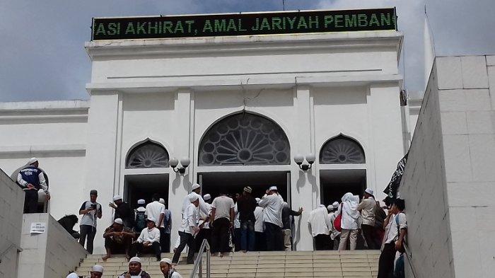 Jusuf Kalla: Presiden Salat Jumat di Istana, Saya di Al-Azhar
