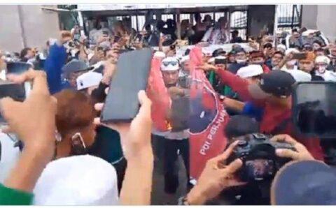 Bendera PDIP Dibakar saat Demo Tolak RUU HIP, Ganjar Pranowo: Kami Orang Beragama juga Anti PKI